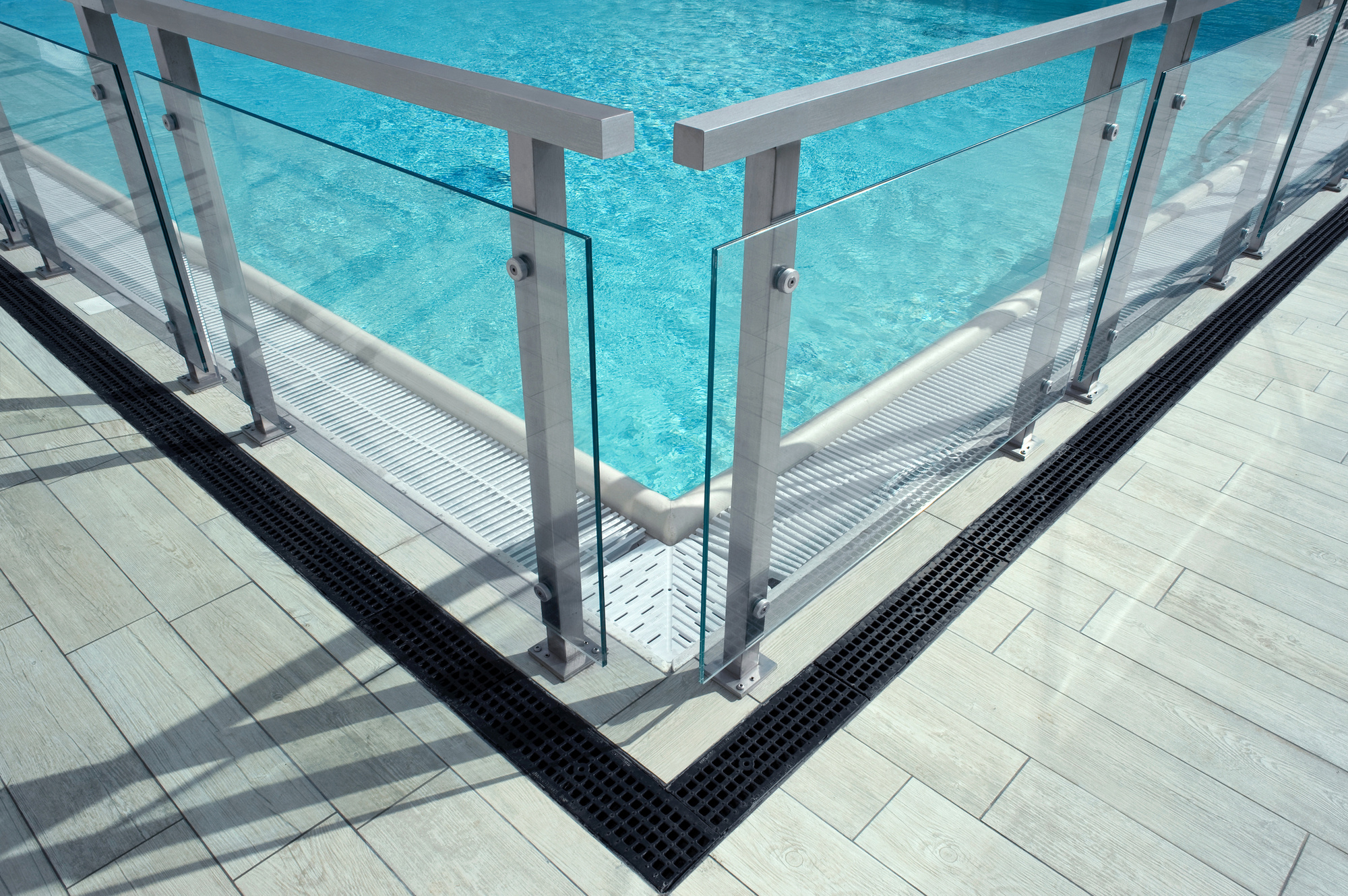 Swimming Pool Safety: 4 Things You Should Do to Make Your Pool Safe