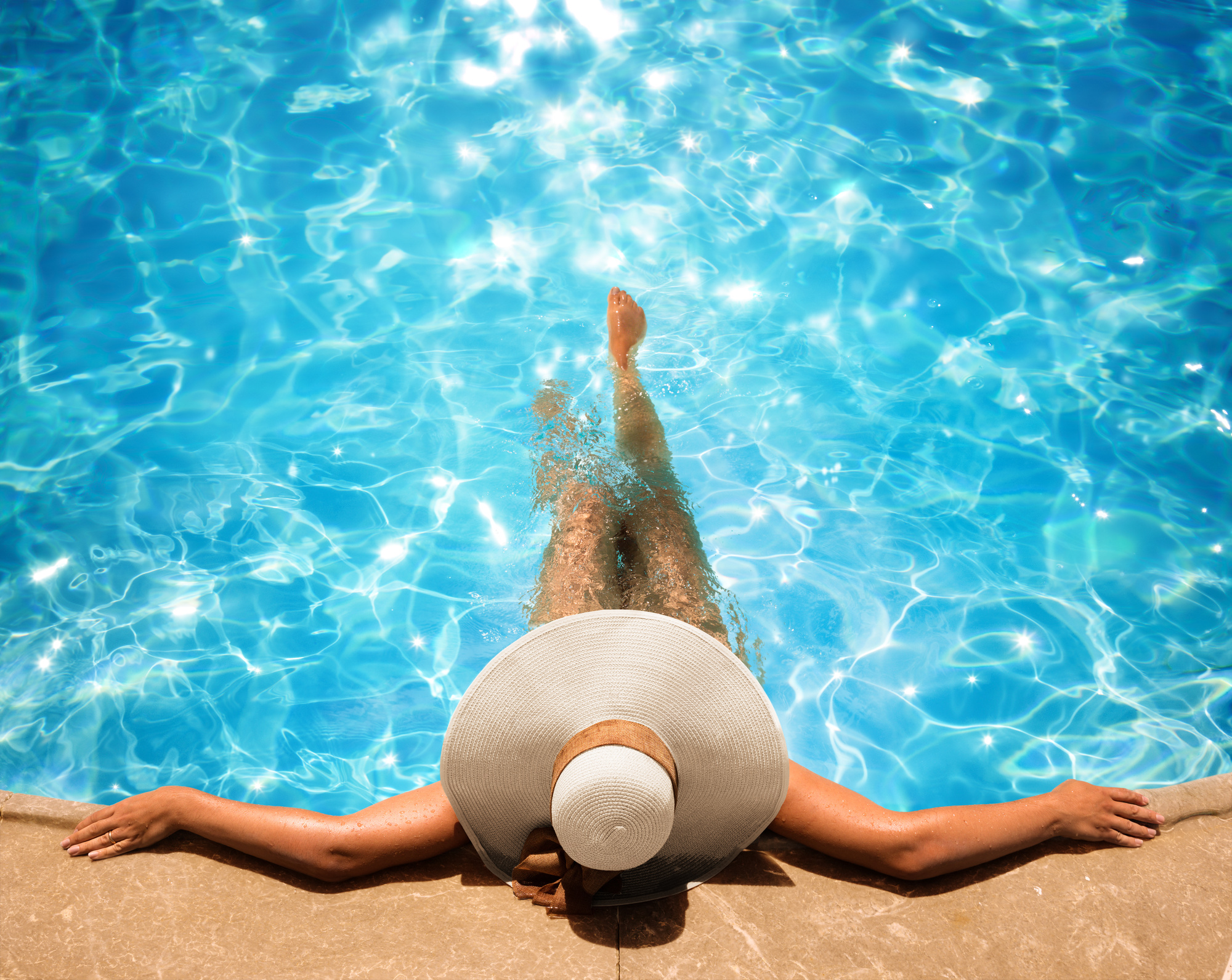 3 Differences Between a Chlorine and a Salt Water Pool