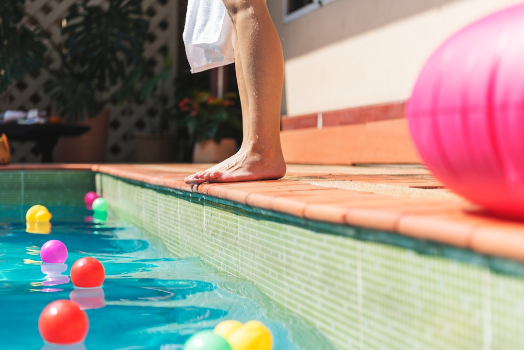 10 Benefits of Owning a Swimming Pool at Home