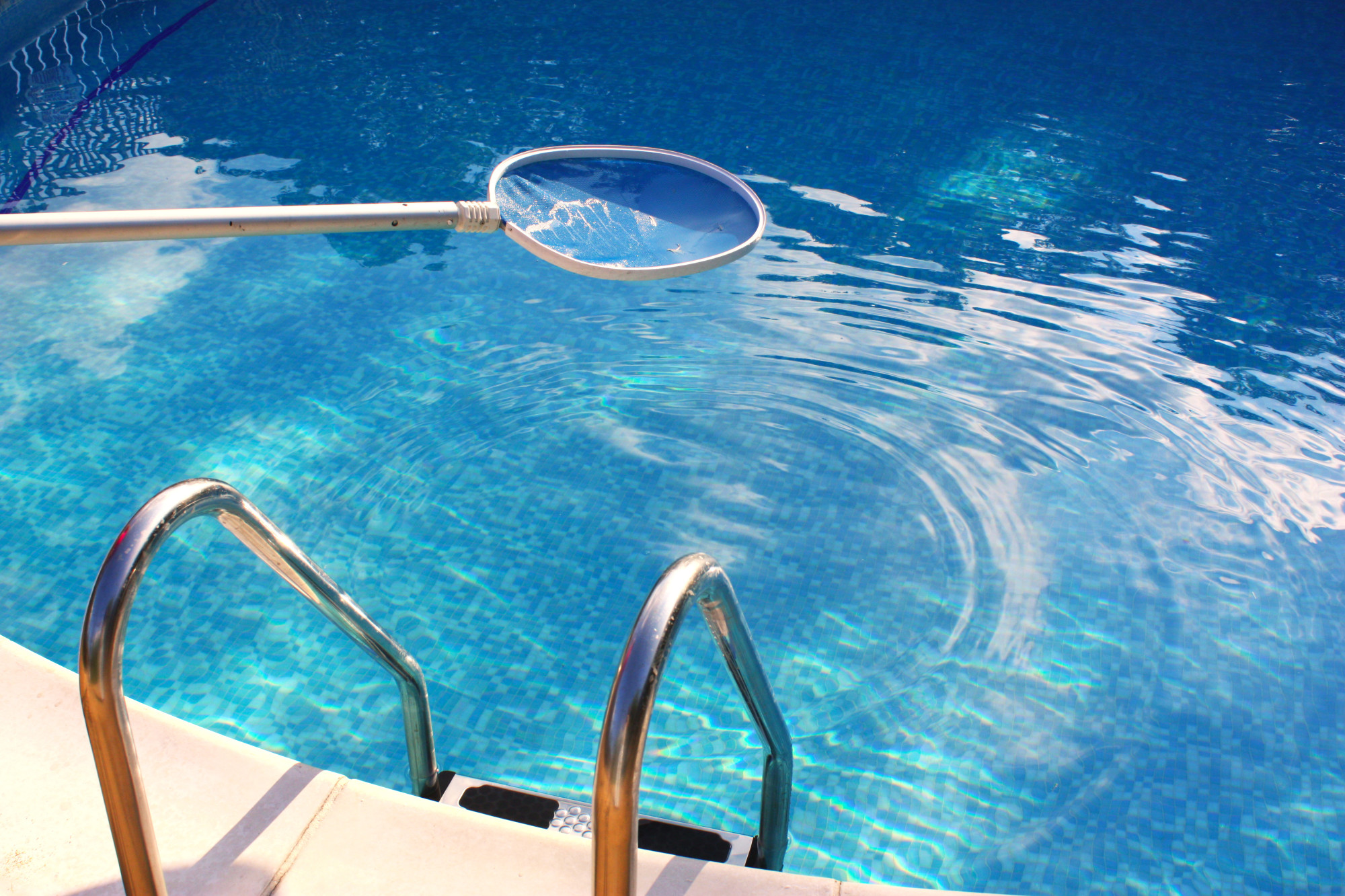 Pool Cleaning Made Easy: 8 Tips That Lead to a Spick and Span Clean