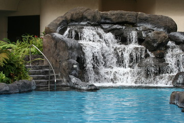 Chasing Waterfalls: 10 Stunning Swimming Pool Water Feature Ideas