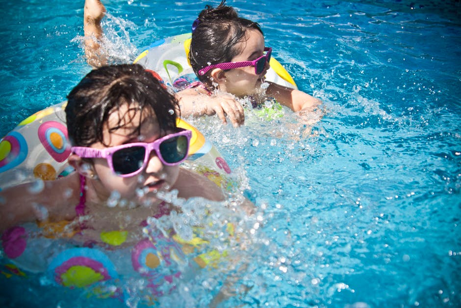 Swimming for Kids: 9 Mental and Physical Health Benefits