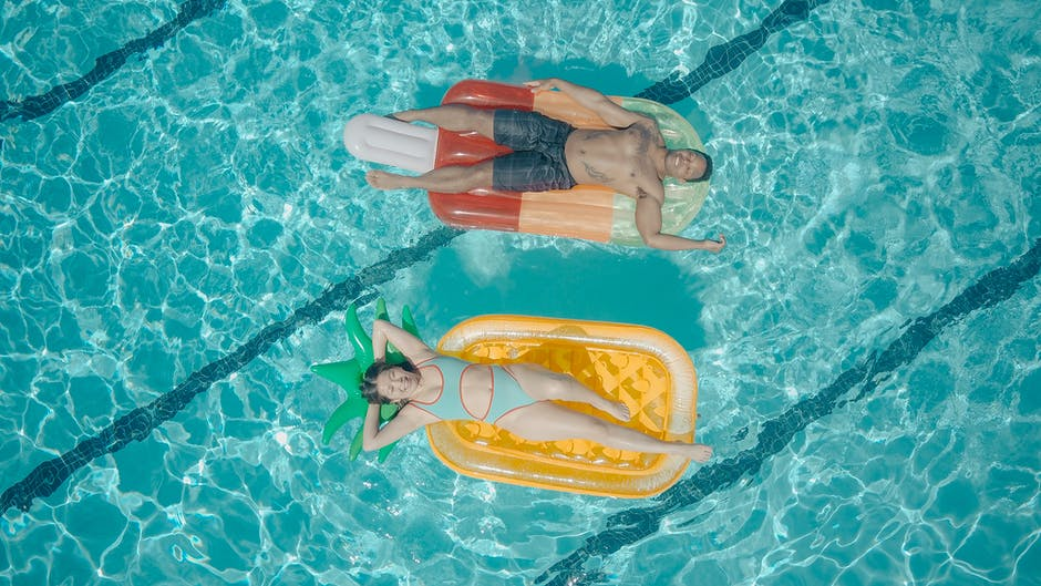 8 Summer Pool Party Ideas to Impress