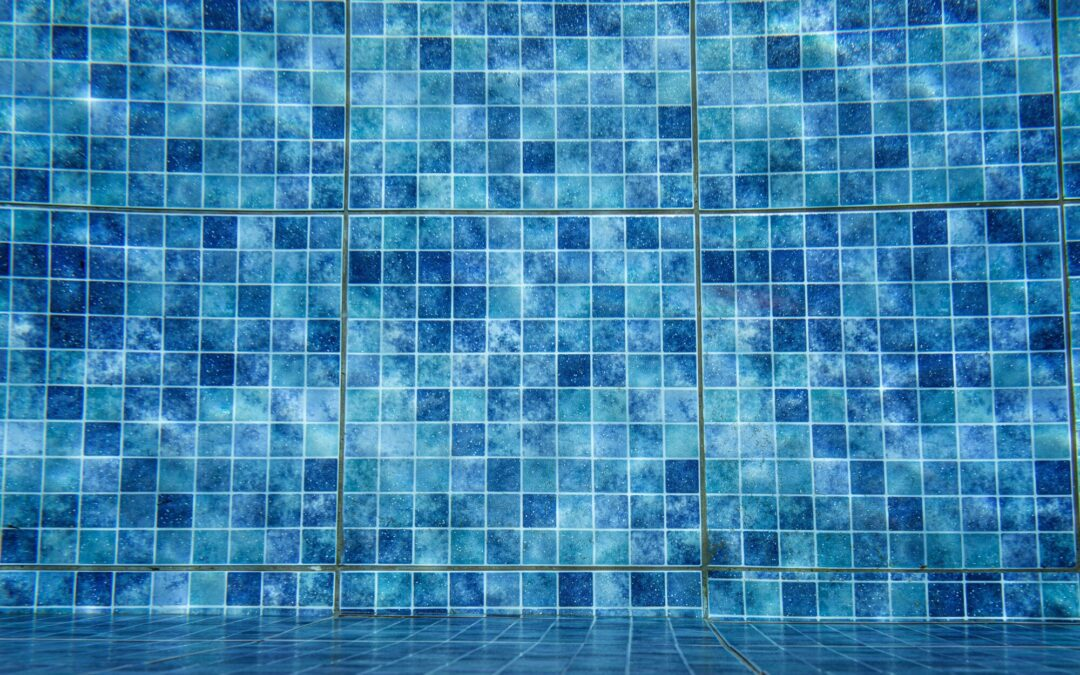 The Different Types of Swimming Pool Tile, Explained