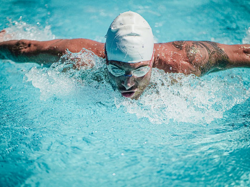 A Beginner's Guide to the 5 Basic Swimming Strokes