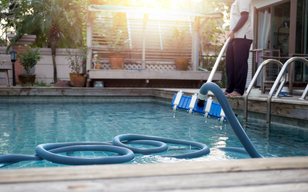 A Texas Pool Owner's Guide to Weekly Pool Maintenance
